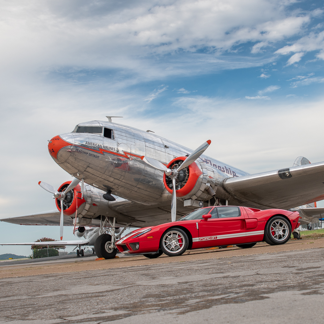 Ford GT with DC-3